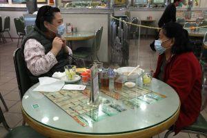 Nhà hàng Hong Kong dựng 'lá chắn' vì khách sợ món lẩu