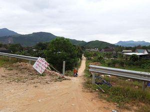 Tự ý tháo dỡ hàng rào cao tốc La Sơn - Túy Loan