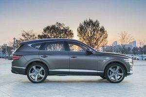 Cận cảnh Genesis GV80 giá hơn 1 tỷ đồng, cạnh tranh BMW X5, Audi Q7
