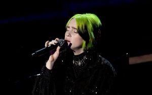 Billie Eilish cảm thấy phát ốm và nghĩ rằng mình đã phá hỏng màn trình diễn tại Oscar: 'Nó quả là rác rưởi'