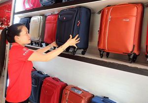 Chọn vali tiện dụng, tạo phong cách riêng