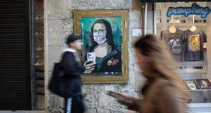 Số người nhiễm Covid-19 liên tục tăng, thị trấn ở Italia vắng ngắt người