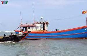 Quảng Ngãi cứu sống ngư dân gặp nạn trên biển