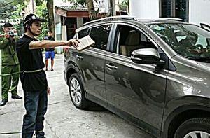 Bắt đối tượng đập vỡ hàng loạt kính ô tô để trộm cắp