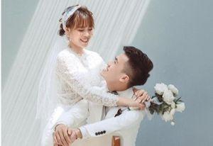 Đôi sinh viên bị hiểu nhầm tranh thủ cưới khi nghỉ học mùa dịch