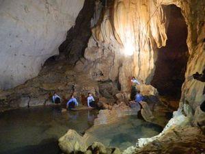 Khám phá hang động kỳ vĩ miền Tây xứ Thanh