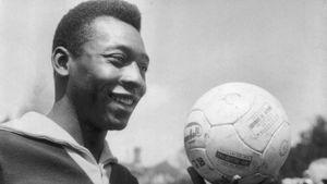 Pelé - đứa trẻ gầy gò tham gia World Cup với cái chân đau