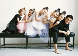 Quang Đại chia sẻ bộ ảnh cực dễ thương cùng các 'Tí hon mộng mơ'