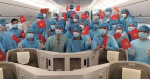 Cấp vé máy bay miễn phí cho hành khách là cán bộ y tế phòng chống dịch trên đường bay nội địa