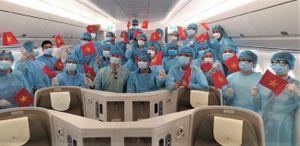 Bác sỹ, y tá, chuyên gia y tế phòng chống dịch COVID-19 được bay miễn phí
