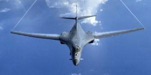 Mỹ bất ngờ điều 2 máy bay ném bom chiến lược tuần tra trên Biển Đông