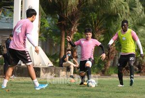 Nhập nhằng hợp đồng hình ảnh cầu thủ ở Hà Nội FC: Tầm quan trọng của người đại diện cầu thủ, HLV?