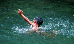 Cứu con đuối nước, mẹ trẻ cũng tử vong thương tâm