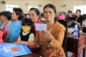 Lâm Đồng tặng hơn 600 thẻ bảo hiểm y tế cho người dân vùng đồng bào dân tộc