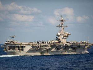 Máy bay ném bom, tàu sân bay Mỹ chuẩn bị quay lại Biển Đông