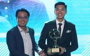 Bố Văn Hậu: 'Tôi mong con trai sẽ cống hiến nhiều hơn nữa cho bóng đá Việt Nam'