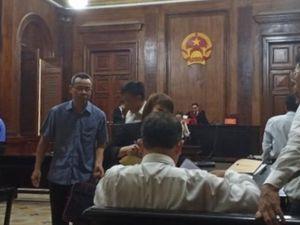 Đề nghị xử cựu phó giám đốc Ngân hàng Việt Nga đến 18 năm tù
