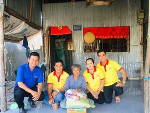 'Hiệp sĩ' Huỳnh Chí Trung và câu chuyện giúp người nghèo