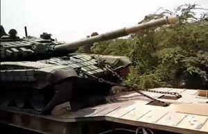 Ấn Độ tiếp tục điều lượng lớn xe tăng T-72 cực mạnh tới biên giới Trung Quốc