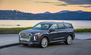 Thiếu phụ tùng, Hyundai tạm dừng sản xuất hai dòng xe cao cấp