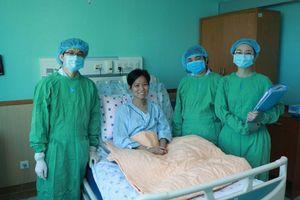 Người mẹ nhiều lần xin bác sĩ hiến quả thận tốt nhất cho con gái