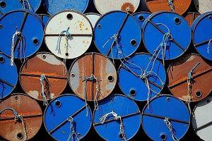 Giá dầu hôm nay tiếp tục giảm do đại dịch Covid-19 diễn biến phức tạp