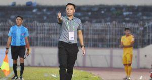 HLV vô địch Đông Nam Á thành nhà cầm quân thứ 3 mất việc ở V-League 2020