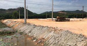 Dự án cao tốc Cam Lộ - La Sơn: Nhiều khu tái định cư đang 'bò'