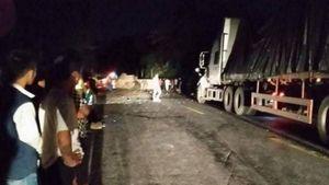 Xe container mất lái, tài xế nhảy khỏi cabin va vào đá tử vong