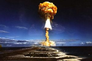 Chùm ảnh về các vụ thử bom hạt nhân khủng khiếp của Mỹ và Pháp sau năm 1946