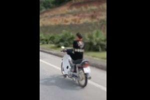 Lời khai của nữ sinh 15 tuổi điều khiển xe máy bằng chân ở Tuyên Quang