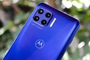 Smartphone chống nước, chip 765G, RAM 6 GB, pin 'trâu', giá hơn 10 triệu