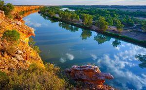 Người Australia lo Trung Quốc mua hết nguồn nước?