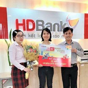 64 khách hàng HDBank may mắn nhận giải từ chương trình 'Tải App HDBank - Rinh Vespa sành điệu'