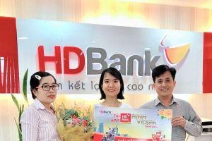 64 khách hàng may mắn nhận giải từ chương trình 'Tải App HDBank'