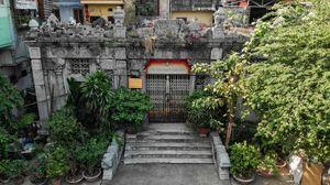 Khu lăng mộ đá cổ 100 tuổi bị lãng quên giữa lòng Hà Nội