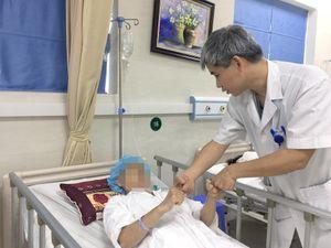 Loại bỏ khối u màng não khổng lồ cho bệnh nhân bằng hệ thống định vị hiện đại và dao mổ siêu âm
