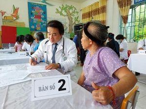 Bệnh viện Bạch Mai khám chữa bệnh miễn phí cho người dân Cao Bằng