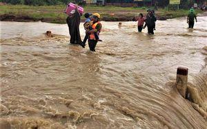 Mưa lũ gây thiệt hại nặng cho huyện biên giới Ea Súp