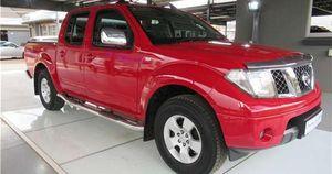Nissan Navara chạy kỷ lục 1,6 triệu km, chủ xe được hãng tặng nguyên chiếc đời mới