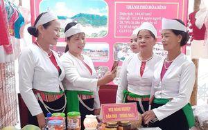 Điểm tựa hỗ trợ phát triển kinh tế của phụ nữ dân tộc Dao ở Hòa Bình