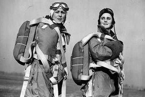 Hình ảnh độc nhất về các 'hot girl quân nhân' trong Thế chiến II