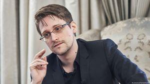 Edward Snowden kiếm hơn 1,2 triệu USD từ bí mật của Mỹ