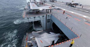 Trung Quốc đang tăng tốc đóng tàu hộ tống cho các nhóm tấn công tàu sân bay