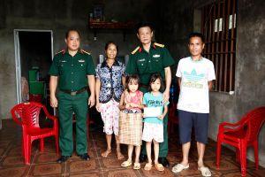 Ban CHQS huyện Tiên Yên: Đỡ đầu học sinh có hoàn cảnh khó khăn