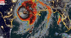 Siêu bão có sức tàn phá 'không thể sống sót' đổ bộ vào Mỹ