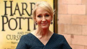 Tác giả 'Harry Potter' trả giải thưởng nhân quyền