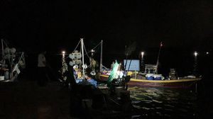 Quảng Nam: Bắt 5 tàu cá khai thác thủy hải sản trái phép