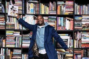 Tủ sách 3.500 cuốn của cựu cầu thủ Martellus Bennett