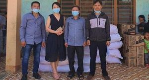 Tặng 1.000 suất quà hỗ trợ người dân miền núi bị ảnh hưởng dịch COVID-19